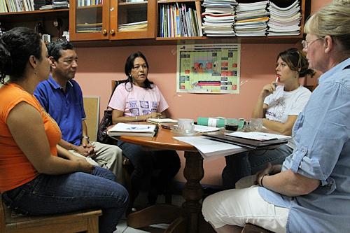 Møde hos Fundemunis direktør Bertha Flores.