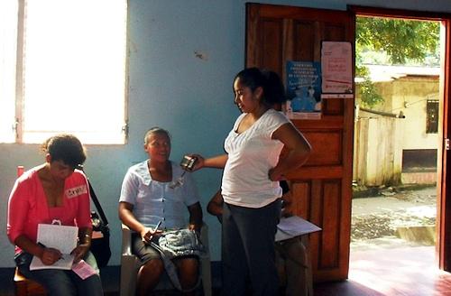 Der afholdes workshop med kvinder i Murra.